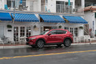 Mazda CX-5 versus Toyota RAV4 : le plaisir et l'efficacité - 6