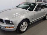 Ford Mustang 2009 Convertible, faible kilométrage, très bel état