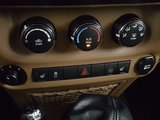 Jeep Wrangler 2011 SAHARA, toit souple , air conditionné