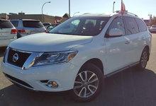Nissan Pathfinder 2014 SV AWD 7 PLACES JAMAIS ACCIDENTÉ CAMÉRA DE RECUL