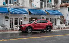 Mazda CX-5 versus Toyota RAV4 : le plaisir et l'efficacité