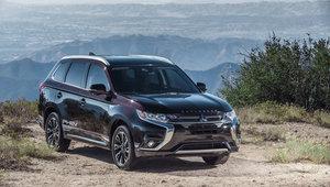 Mitsubishi Outlander PHEV 2019 vs Toyota RAV4 Hybride
