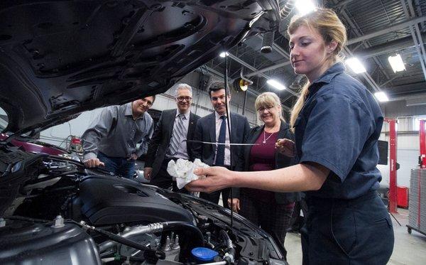 Une Mazda neuve pour apprendre la mécanique