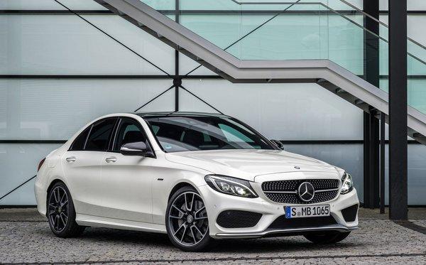 Une histoire de succès pour la Mercedes-Benz C300 et C450 AMG 2016