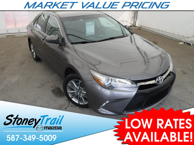 2017 Toyota Camry SE - CLEAN & LOCAL VEHICLE HISTORY!